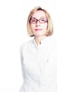 Portrait Prof. dr. Med. Gertrude M. Beer, Plastische Chirurgie Zürich